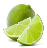 цитрусовые лайм фруктов, изолированных на белом фоне вырезом — Стоковое фото