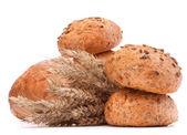 汉堡面包或辊和小麦耳朵一堆保险开关 — 图库照片
