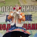 Russian folk ansamble of dance Rainbow — Stock Photo #14327639
