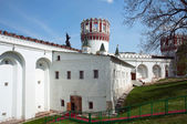 Walls and tower of Novodevichiy Convent — Stock Photo