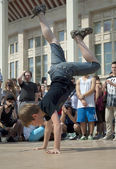 Little Breakdancer up side down — Stock Photo