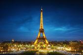 Paris cityscape at sunset - eiffel tower — Stock Photo