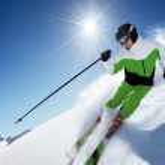skifahrer in bergen — Stockfoto