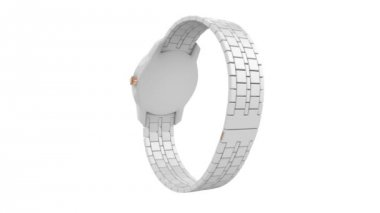 White ceramic wristwatch — Vídeo de stock