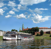 Restoran at the boat deck and panorama of Vavel (Krakow, Poland) — Stock Photo