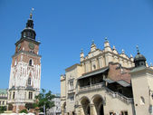 Town Hall Tower and Cloth Hall in Krakow (Poland) — Fotografia Stock