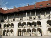 Royal castle wawel (krakow, polonya bir avluya parçası) — Stok fotoğraf