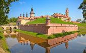 Medeltida slott i njasvizj — Stockfoto