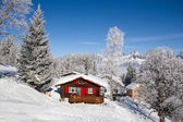 Winter holiday house — Stockfoto