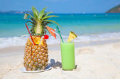 Pinaapple cocktail — Stock Photo