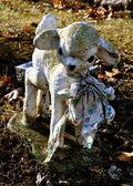 Gravesite - Lamb Statue — Stock Photo