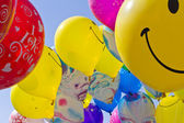 Ballons on blue sky — Stockfoto