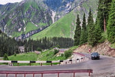 Road in mountain landscape — Stock Photo