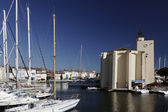 Port Grimaud, village church with a quadratic tower, Cote d'Azur, Southern France, Europe — Stock Photo
