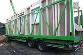 Delivery of prefabricated wooden house — Photo