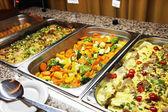 Leckeres warmes buffet — Stockfoto