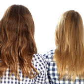 Rear view of the heads and hair of two women — Stock Photo