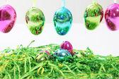 Ovos de páscoa metálico brilhante colorido — Fotografia Stock