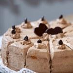 Schokolade Geburtstagstorte mit Herz Formen — Stockfoto