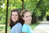 Two pretty teenage girls — Stock Photo
