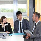 Business colleagues having a discussion — Stock Photo
