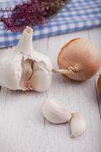 Cipolle e aglio crudo fresco — Foto Stock
