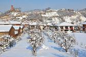 Liten stad under snön. corneliano d — Stockfoto