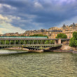 Pont de Bir-Hakeim bridge. Paris, France. — Stock Photo