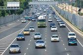 Traffico autostrada. tel aviv, israele. — Foto Stock
