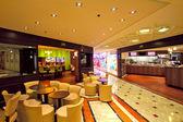 Restaurants in Metropole shopping center at Monte Carlo, Monaco. — Stock Photo