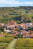 Jesienny widok na barolo. Piemontu, Włochy. — Zdjęcie stockowe