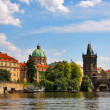 Vltava river and Charles Bridge in Prague. — Стоковая фотография