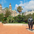 Adam et Eve sculpture and Casino complex in Monte Carlo. — Stock Photo