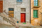 Фасад типичный итальянский дом. — Стоковое фото