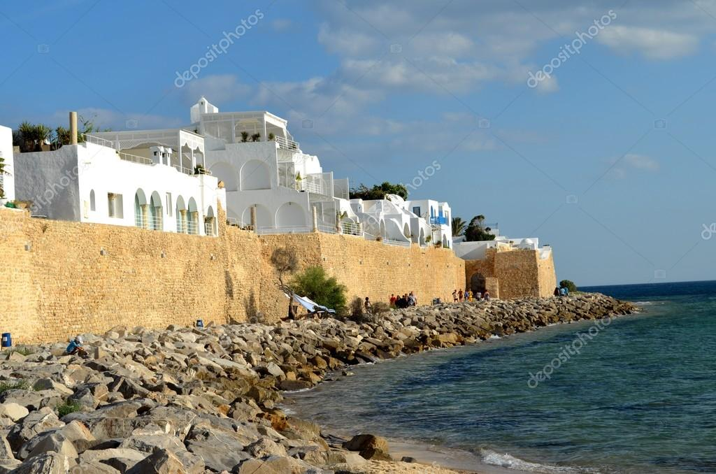 Hammamet is a town in Tunisia. It was the first tourist destination in Tunisia. It is located in the south east of the northern peninsula of Cap Bon in the Governorate of Nabeul, on the northern edge of the Gulf of Hammamet. — Stock Photo #13686219