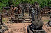 Antiguo templo camboyano — Foto de Stock