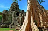 Ancient Cambodian temple — Stock Photo