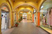 内政部现代购物中心、 杜拜、 oae — 图库照片