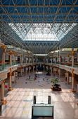 Interior of modern shopping center, Dubay,OAE — Stock Photo