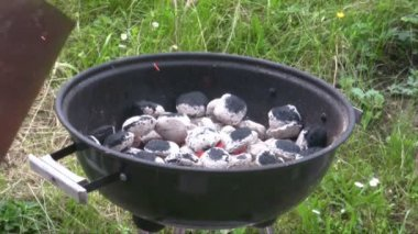 Charcoal grill — Stock Video