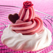 Meringue with raspberry buttercream — Stock Photo