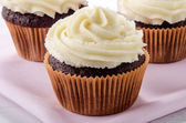 Chocolate cupcake with vanilla buttercream — Stock Photo