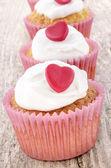 Valentine cupcake with white icing — Stock Photo