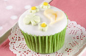 St patrick s day cupcake — Stock Photo
