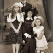 Retro family portrait — Stockfoto