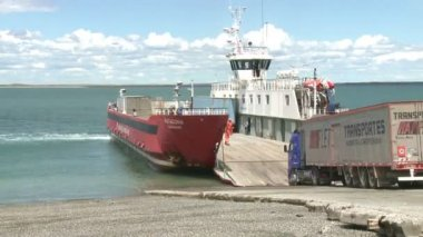 Ferry loading — Stock Video