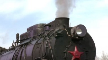 Old train with steam engine closeup — Stock Video