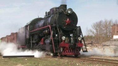 Ayakta buharlı tren — Stok video