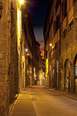 Ancient alley in Firenze at night — Stock Photo