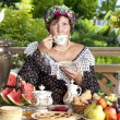 Woman drinking tea — Stock fotografie